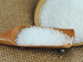白砂糖可以轻松去除嘴唇死皮?