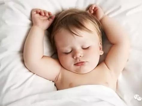 婴儿睡觉出汗图集